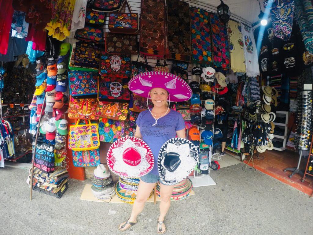 Allison Nevins and real mercado sombreros.